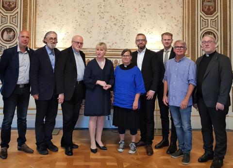 Kyrkoledarna och Margot Wallström
