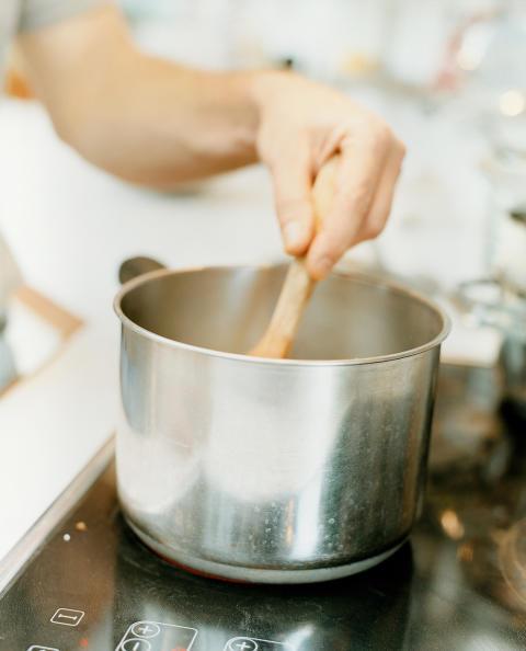"""Vältä vapun """"nakit ja muusi""""-palo: ole huolellinen munkkirasvan kanssa äläkä kokkaa maistissa"""