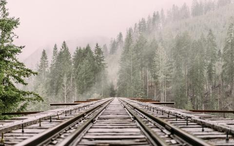 Top 4 benefits of rail freight