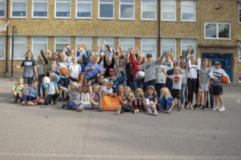 Aktivitetsväskan delas ut till 4 000 skolor runt om i landet