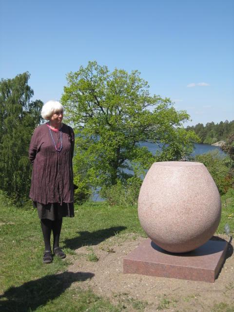 Eva Langes La Linda stannar i skulpturparken vid Görvälns slott