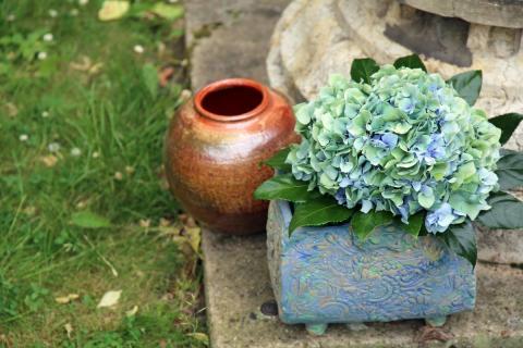 Ausstellungsstücke zum Keramikmarkt Leipzig im GRASSI