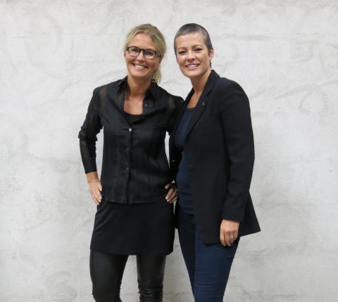 Kristin og Line viser klær fra Celina Midelfart