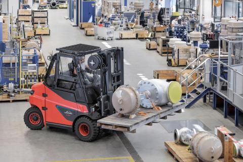 Komplett utbud av litiumjondrivna truckar