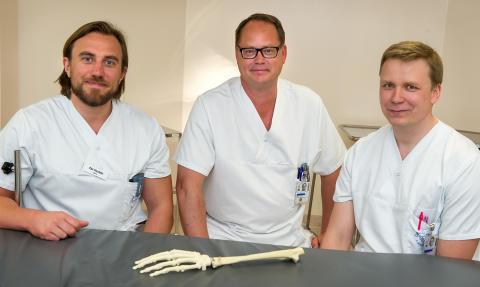 Patient på USÖ får världsunik handledsprotes