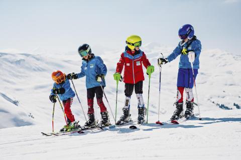 Nachwuchs-Skirennfahrer in Obersaxen, Graubünden.