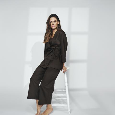 Jenny Skavlan_Loungewear Kapok_stående