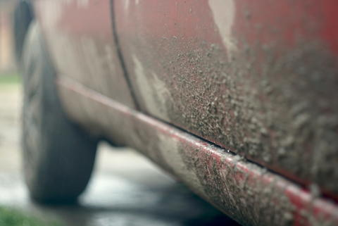 Allt fler låter bilen stå smutsig - kan sänka andrahandsvärdet med stora belopp