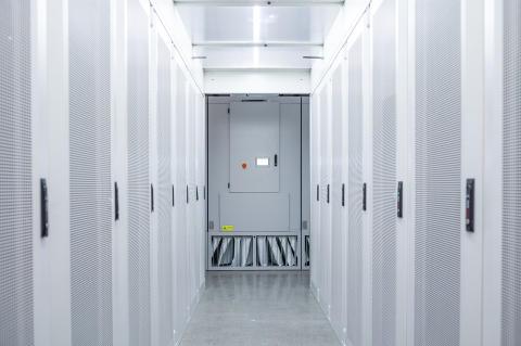 Hydro66 cold aisle containment