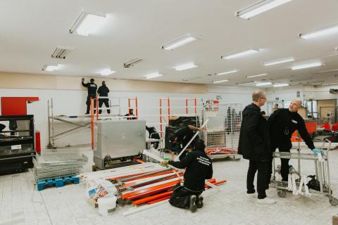 MatRätt renovering tillsammans med volontärer från Willys