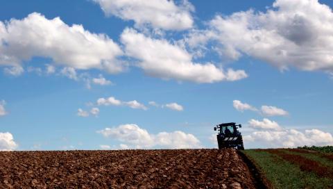 Seminarium 27 april: Så kan åkermark bidra till att fånga in mer koldioxid