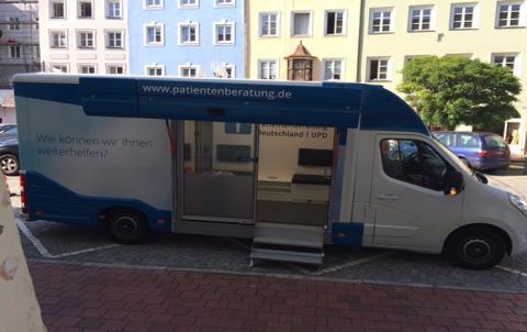 Beratungsmobil der Unabhängigen Patientenberatung kommt am 30. März nach Mühldorf am Inn.