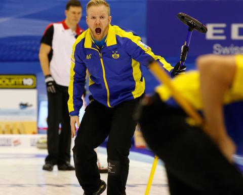 Curling: Lag Edin och lag Sigfridsson representerar Sverige i VM