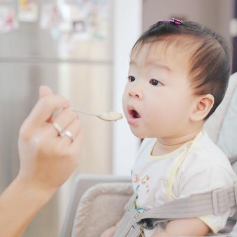Astma- och Allergiförbundet välkomnar rekommendationen att ge barn allergiframkallande livsmedel