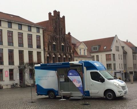 Beratungsmobil der Unabhängigen Patientenberatung kommt am 25. September nach Greifswald.
