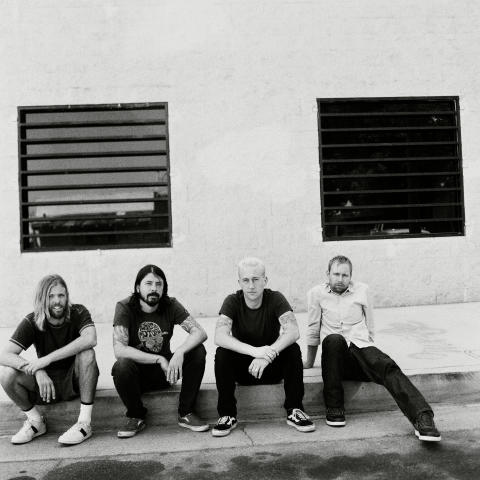 Foo Fighters släpper nytt den 8 april