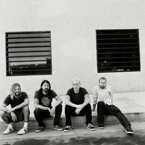 Foo Fighters släpper nytt den 8 april