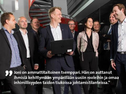 Etera palkitsi Etelä-Suomen parhaana pomona Joni Kapasen Canonilta