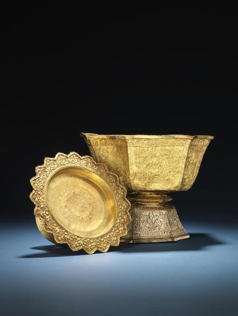 Admiral Andreas du Plessis de Richelieu's skåle af guld, givet af Siams Kong Rama V. Hammerslag: 260.000 kr. og 340.000 kr.