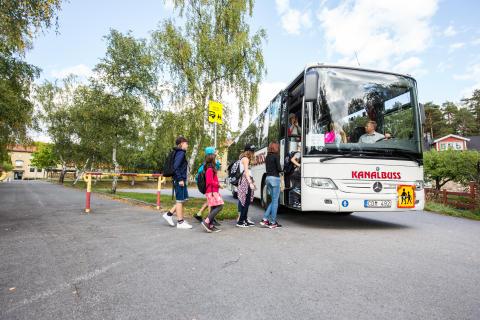 Skolskjutsen i Norrköpings kommun får höga betyg