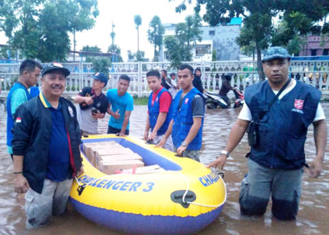 Salvation Army Teams in Indonesia Assist Evacuees from Flood-Hit Jakarta