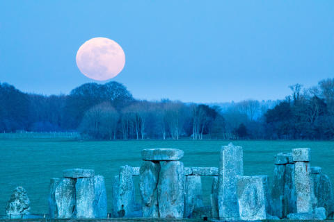 Tulossa täydellinen kuunpimennys. Lähde kuvaamaan kuuta!