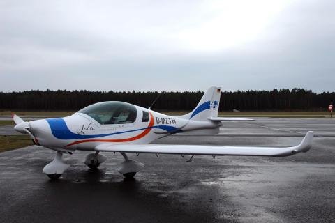 TH Wildau mit Forschungsflugzeug und Messdrohnen auf der Luftfahrtmesse AERO in Friedrichshafen