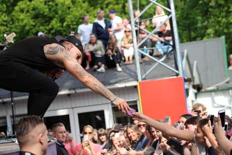 Joey Moe giver gratis koncert 12. maj