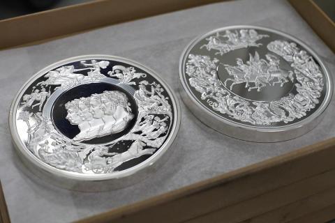 Pistrucci Waterloo Medal 2 kilo silver