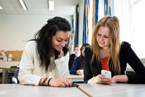 Søker kandidater til Telenor Youth Summit