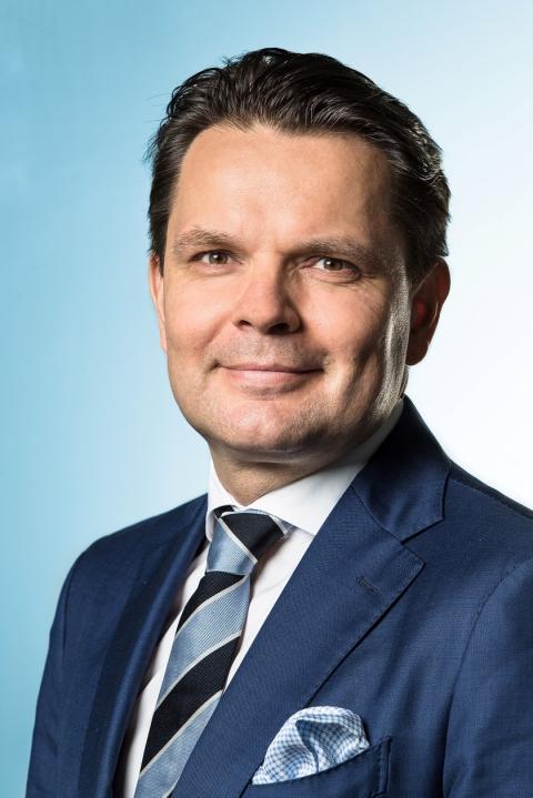 Kim Långström Schneider Electric Finlandin Partner-liiketoimintayksikön johtajaksi