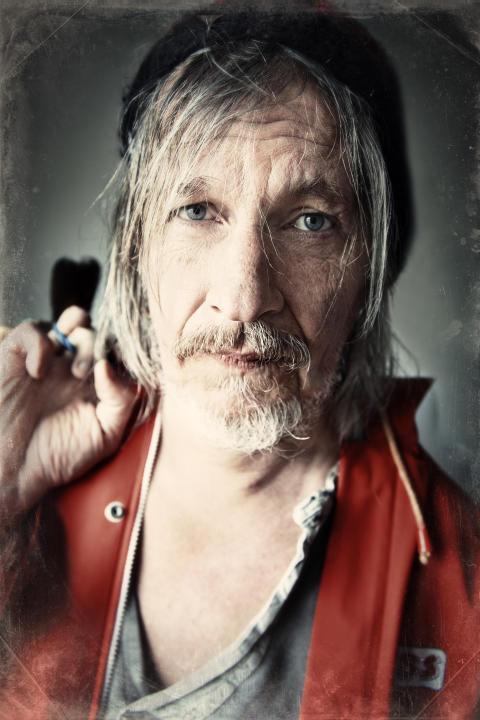 Stefan Sundström släpper ny singel till sommarens turné