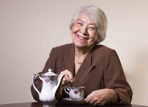 Te ger starkare ben hos äldre kvinnor