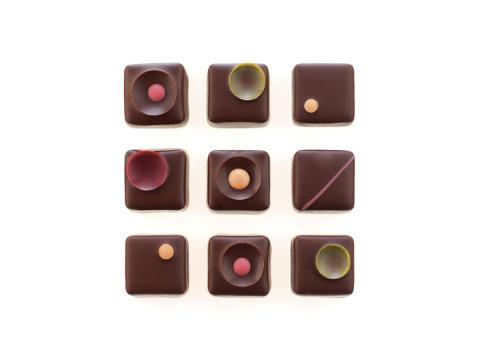 Färgat med naturlig, kakaobaserad livsmedelsfärg