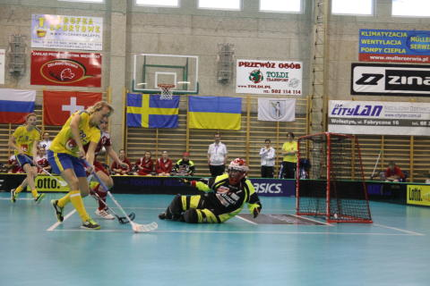 Seger för Sverige mot Schweiz i U19-VM för damer