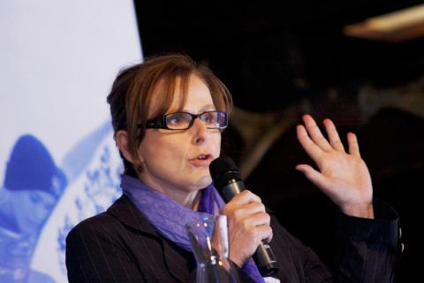 Louise Hallin, barnmorska och psykoterapeut