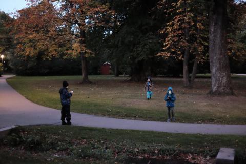 Oktobergrillning med familjer