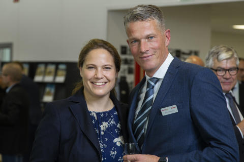 Catharina Claas-Mühlhäuser tillsammans med Swedish Agro Machinerys vd Björn Pettersson