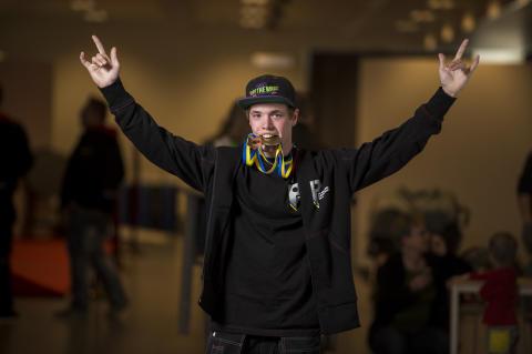 SM-BRONS i plåtslageri till Kasper Nilsson, Kattegattgymnasiet i Halmstad