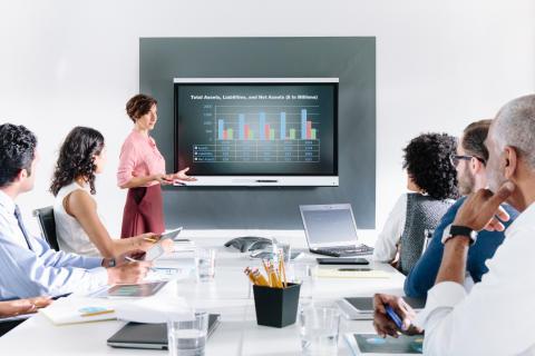 Nya SMART kapp iQ - den optimala möteslösningen med inbyggd webbläsare och skärmspegling