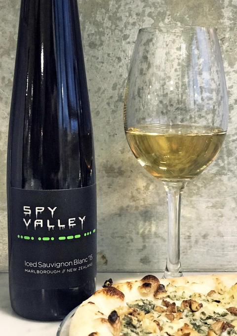 Spy Valley Iced Sauvignon Blanc_Med gorgonzolapizza