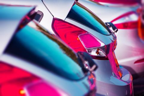 Nya bilar minskade med 3,8 procent i mars