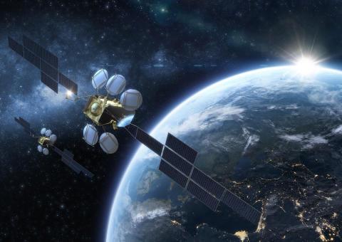 Eutelsat bestellt zwei Ersatzsatelliten für Flaggschiffposition HOTBIRD 13° Ost