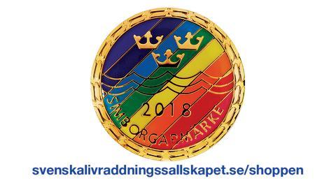 2018 års Simborgarmärke är Regnbågsfärgat