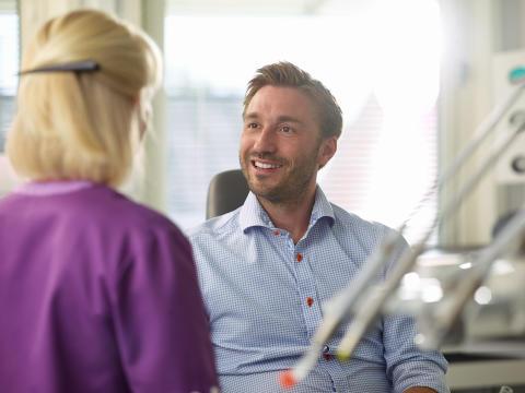 1 juli får alla vuxna nytt tandvårdsbidrag
