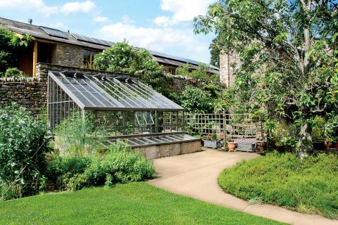 väggväxthus från Vansta Trädgård
