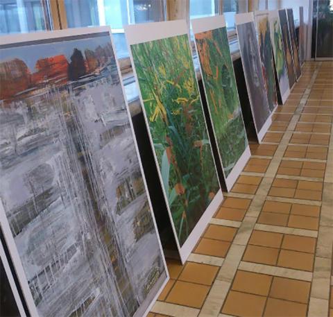 Södra vätterbygdens konstnärer ställer ut i mitt i stadslivet