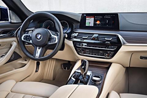 BMW 530dx Drive Touring - interiør