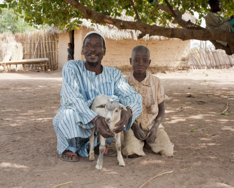 WTG-Gambia-Tierhalter-Ziege ®Gudrun_Senger