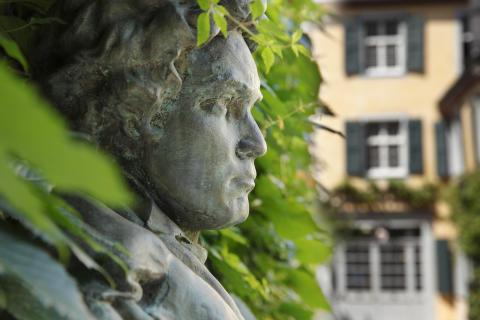 Könnte Beethoven heute mit einem CI hören?